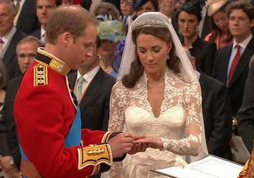 Такое же свадебное платье как у кейт